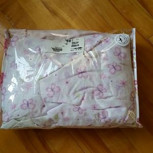 4 fitted sheets in set for beby girl crib.
